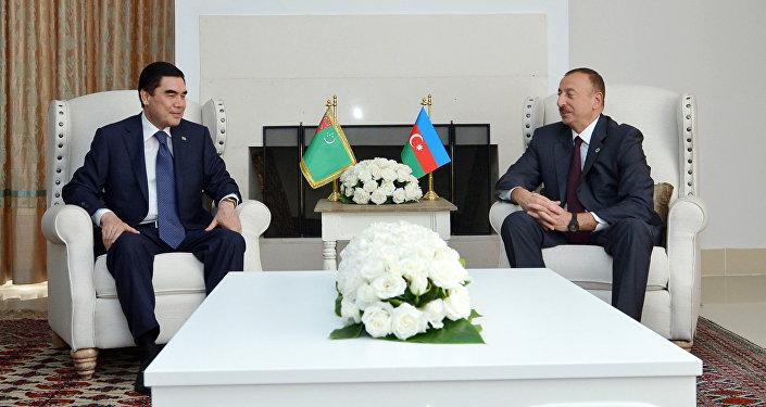 Президенты Азербайджана и Туркменистана Ильхам Алиев и Гурбангулы Бердымухамедов, фото из архива