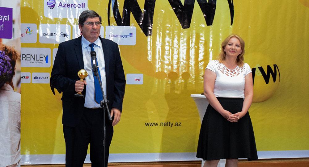 Sputnik Azərbaycanın rəhbəri Əziz Əliyev NETTY-2017 mükafatını alır