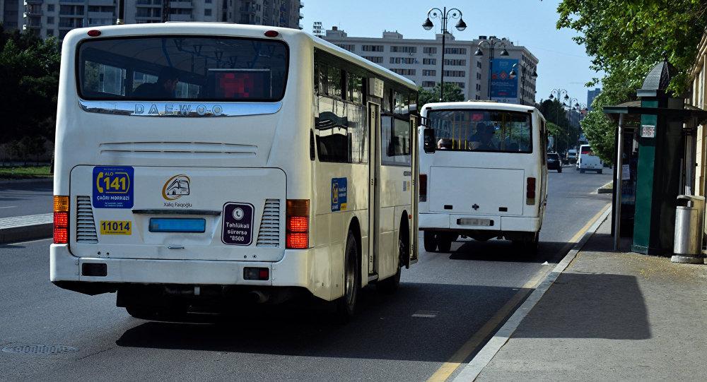 Bakıda sərnişin avtobusları, arxiv şəkli