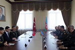 Министр обороны Азербайджана встретился с командующим Сухопутными войсками Турции