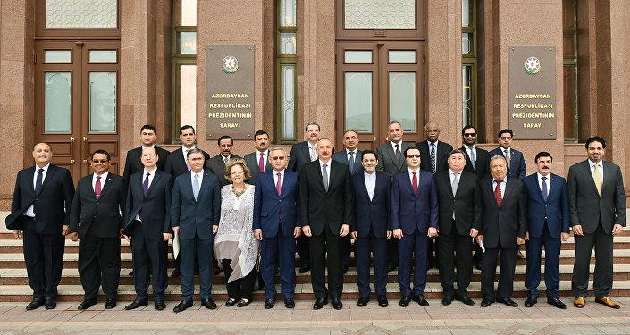 Президент Ильхам Алиев принял послов и руководителей дипломатических представительств мусульманских стран в Азербайджане