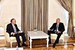 Президент Азербайджана Ильхам Алиев принял председателя и генерального исполнительного директора компании John Deere США