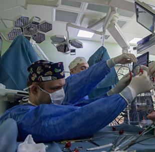 Операция в клинике, фото из архива
