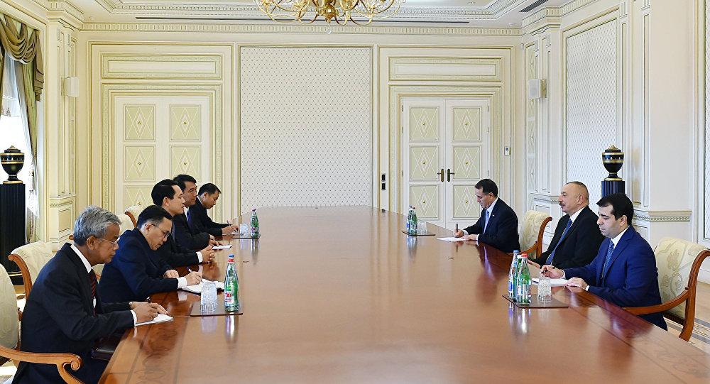 İlham Əliyev Laosun xarici işlər nazirinin başçılıq etdiyi nümayəndə heyətini qəbul edib