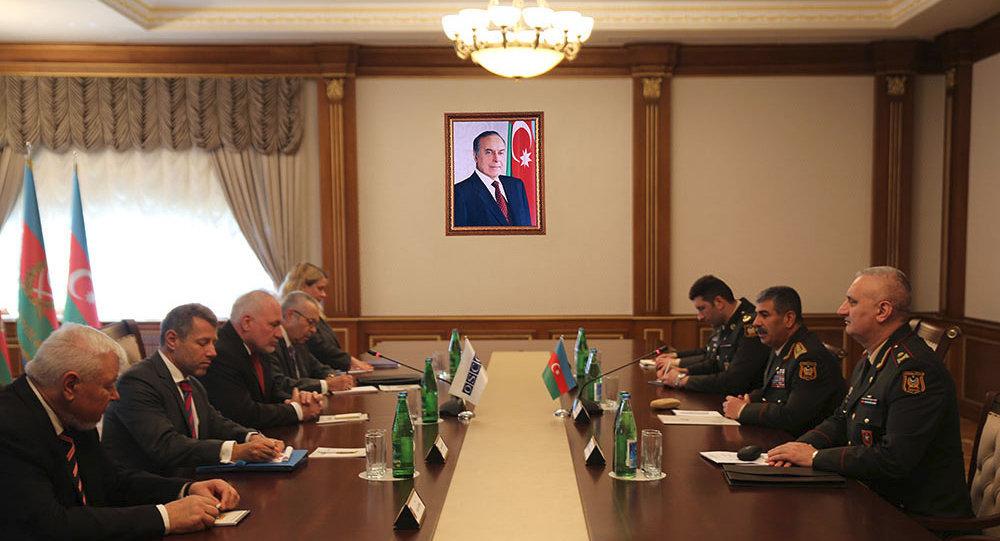Министр обороны Азербайджана встретился с сопредседателями Минской группы ОБСЕ