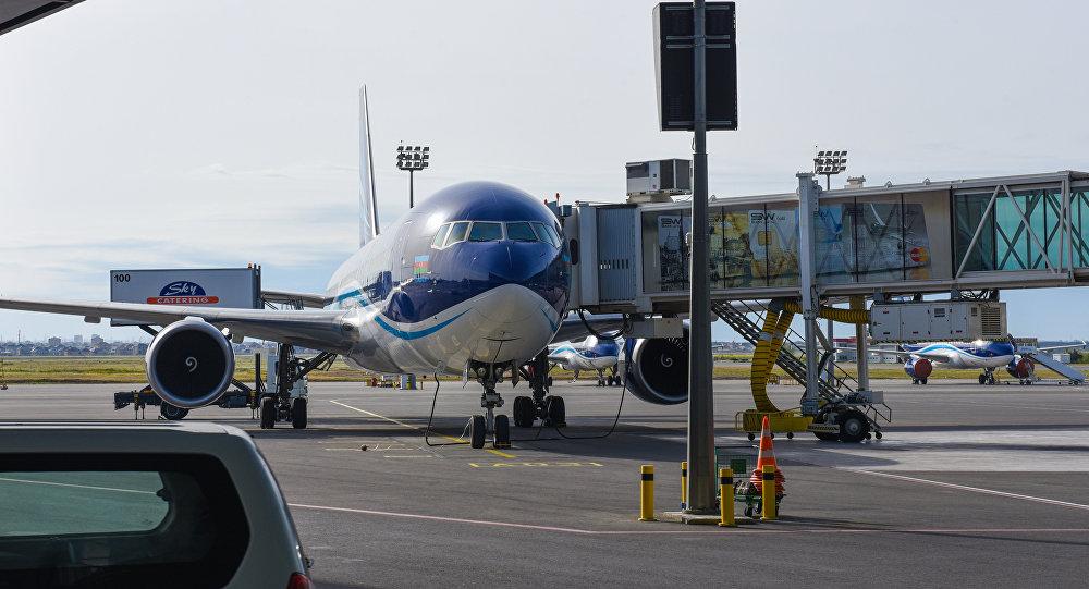 Самолет авиакомпании AZAL, фото из архива