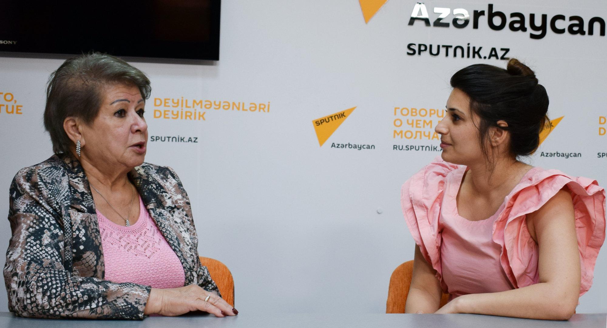 Диляра Нагиева во время интервью агентству Sputnik Азербайджан