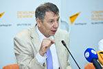 Российский политолог, член Общественной палаты РФ Сергей Марков в Мультимедийном пресс-центре Sputnik Азербайджан