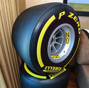 Гоночный номер-люкс McLaren-Honda в отеле Hilton Baku