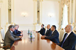 Президент Ассоциации друзей Азербайджана во Франции Жан-Франсуа Мансель на встрече с президентом Азербайджана Ильхамом Алиевым