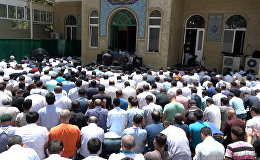 Праздничный намаз в азербайджанских мечетях