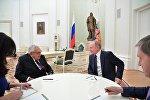 Vladimir Putin və Henri Kissincerin görüşü
