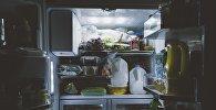 Холодильник с продуктами, фото из архива