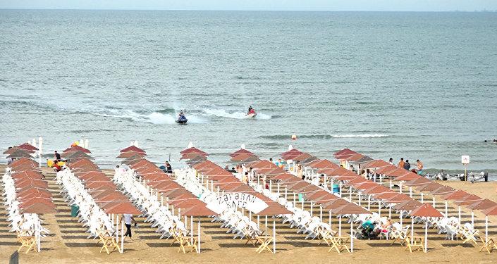 Золотые пляжи Абшерона ждут и зовут