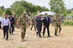 Военные атташе зарубежных государств и официальные лица Азербайджана в селе Алханлы