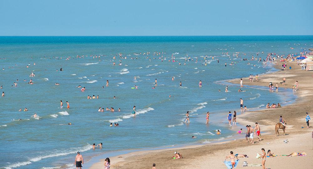 Один из пляжей Абшерона, фото из архива