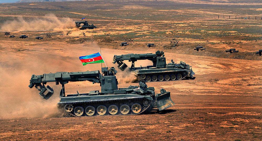 Азербайджанская армия находится в постоянной боеготовности из-за неразрешённого конфликта с Арменией вокруг Нагорного Карабаха