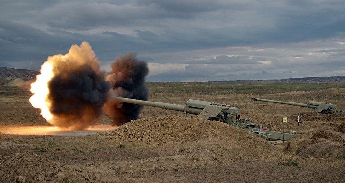 Учения по боевой стрельбе артиллерийских войск ВС Азербайджана, фото из архива