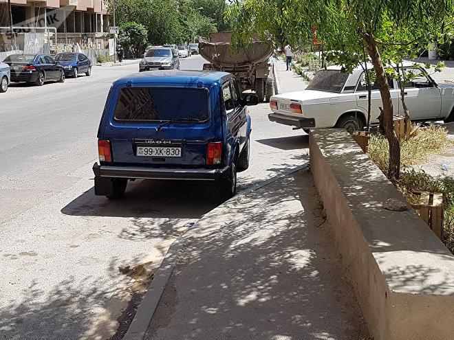 На одной из бакинских улиц