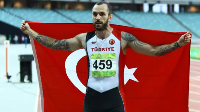 Турецкий спортсмен Рамиль Гулиев