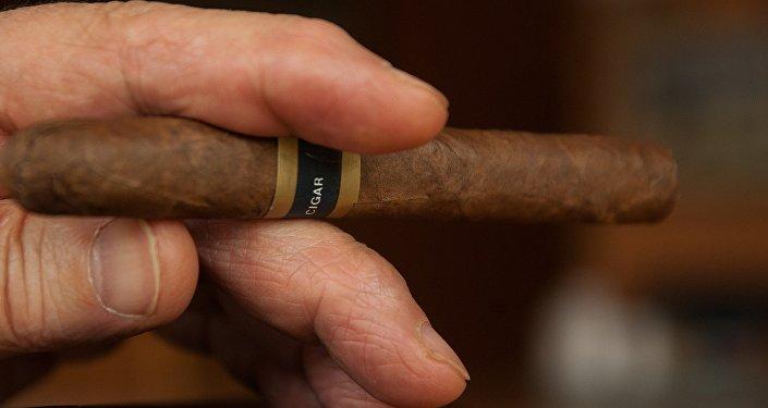 Сигара, фото из архива