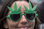 Участница марша за легализацию марихуаны, фото из архива