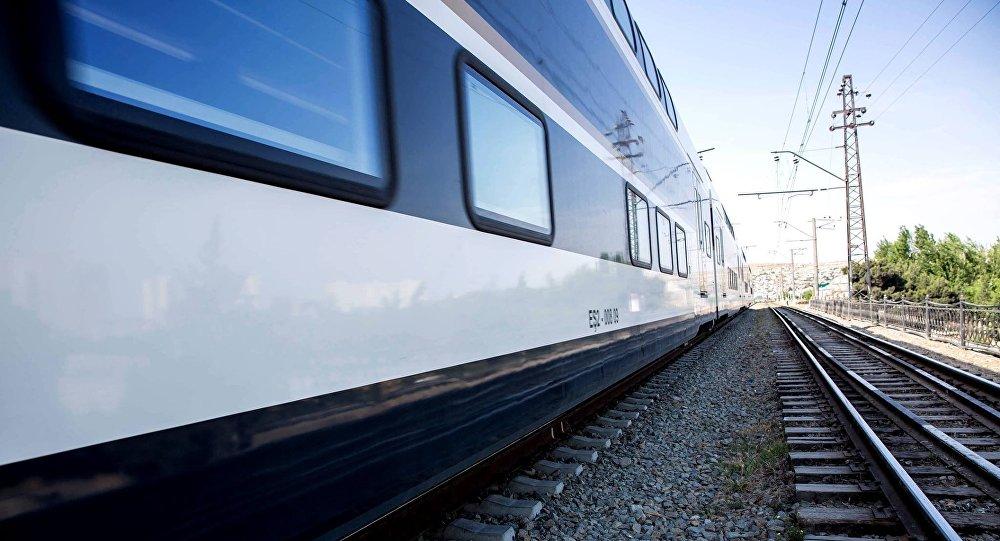 Поезд Азербайджанских железных дорог, фото из архива