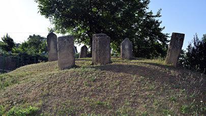 Древнее кладбище в селе Дагбиличи