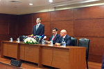 Встреча министра таможни и торговли Турции Бюлентп Тюфенкджи с турецкими предпринимателями в Баку