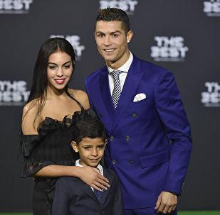 Kriştianu Ronaldo və Corcina Rodriqez, arxiv şəkli