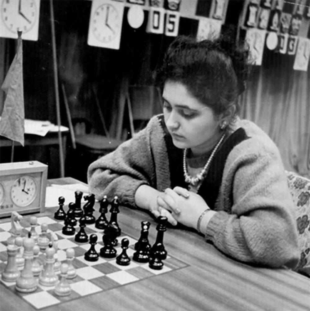 Всемирно известная азербайджанская шахматистка, международный гроссмейстер среди женщин Айнур Софиева