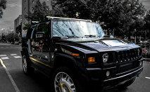 Автомобиль марки Hummer, фото из архива