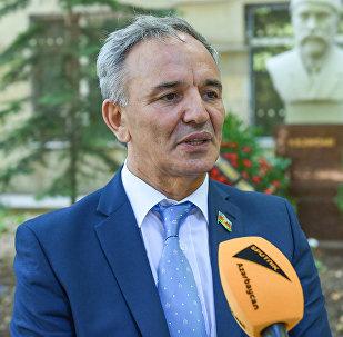 Председатель Совета печати Афлатун Амашов