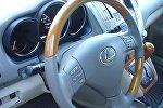 Салон автомобиля Lexus RX330, фото из архива