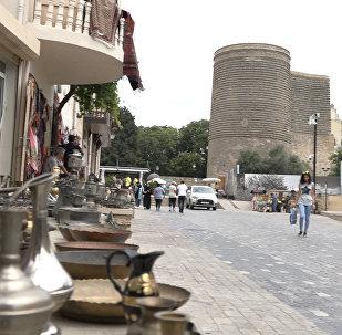 Туристам сложно добраться до этих мест в Старом городе Баку