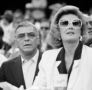 Frenk Sinatra və Barbara Marks