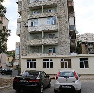 Незаконные пристройки в домах по улице Ага Нейматулла