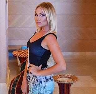 Азербайджанская модель Кристина Замир