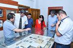 Сотрудники информационного агентства Sputnik Азербайджан посетили музей истории прессы Азербайджана