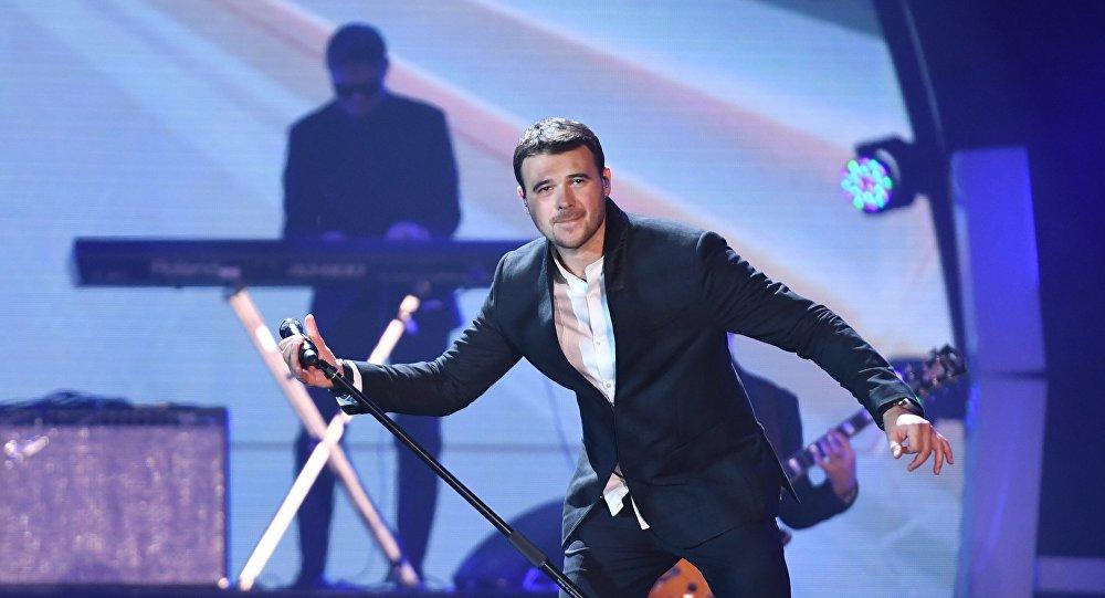 Певец Эмин Агаларов выступает на международном музыкальном фестивале ЖАРА в Баку