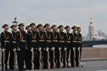 Военнослужащие во время главного военно-морского парада в честь Дня Военно-Морского Флота России в Санкт-Петербурге