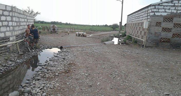Дорога в селе Гараязы Акстафинского района