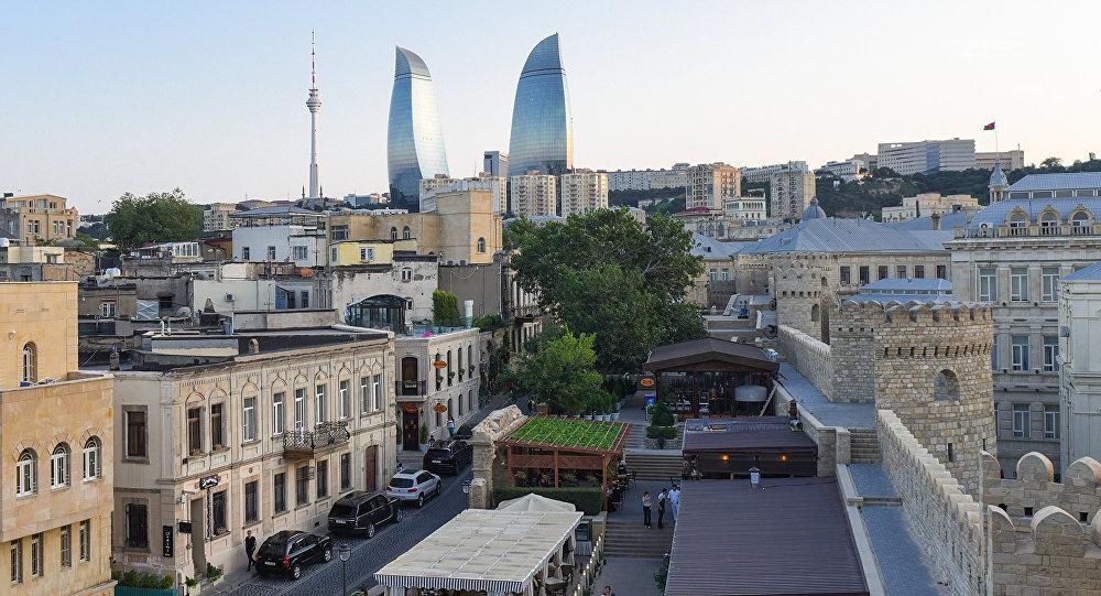 Вид на Flame Towers в Баку