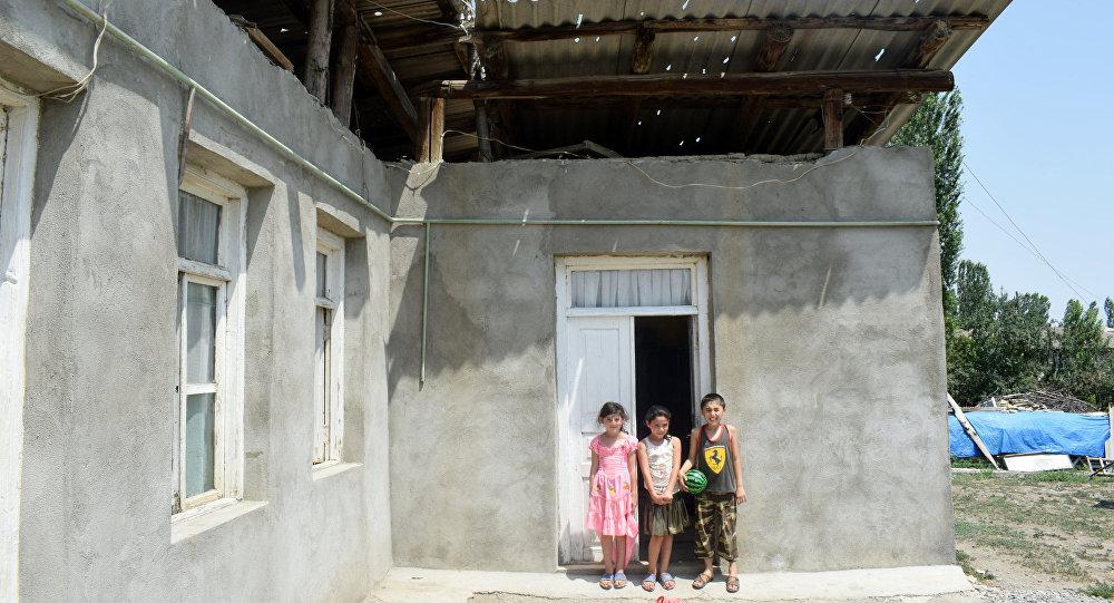 Жители села Юхары Гёйчали Агстафинского района