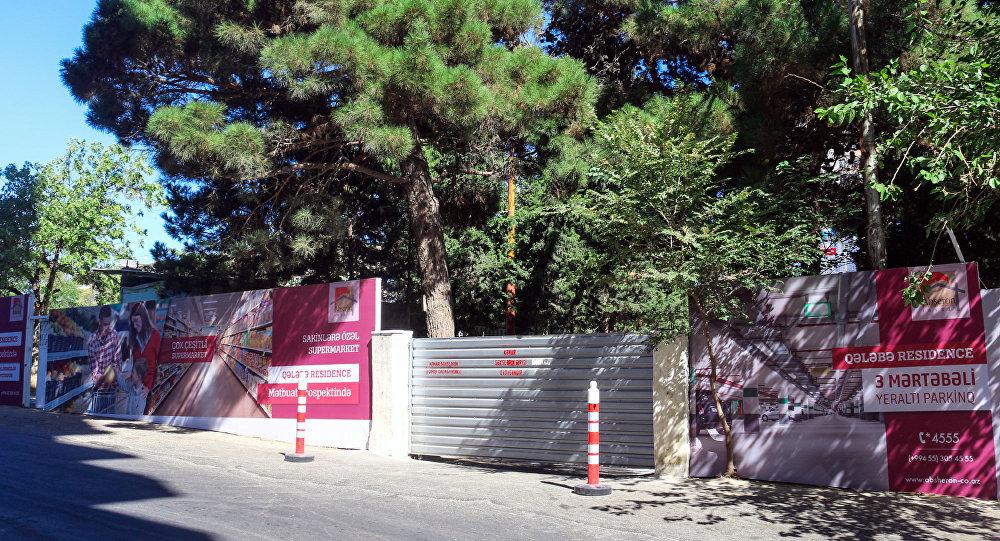 Огороженная территория в Ясамальском районе