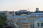 Вид на Баку с одной из башен крепостной стены Ичеришехер, фото из архива
