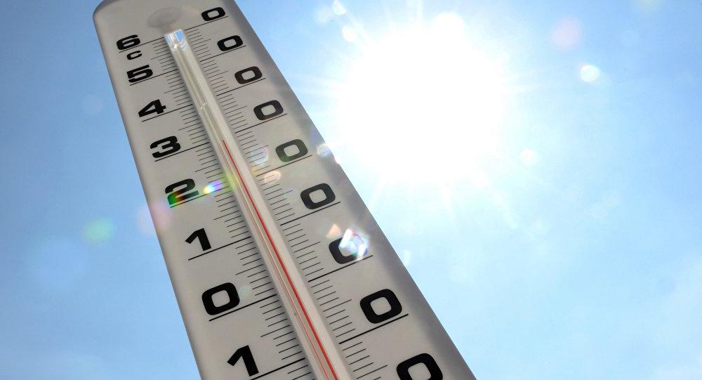 Уличный термометр, фото из архива