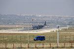 Военно-транспортный самолет ВВС США С-130 Hercules на авиабазе Инджирлик в Турции, 20 июля 2015 года