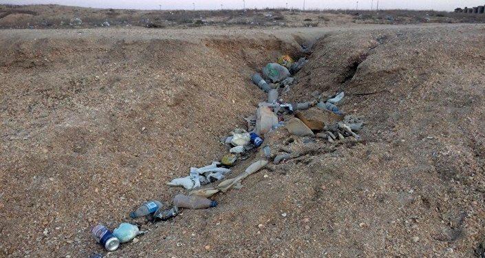 Мусор на бакинском пляже