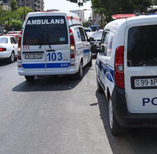 Автомобили скорой помощи и патрульно-постовой службы на месте события